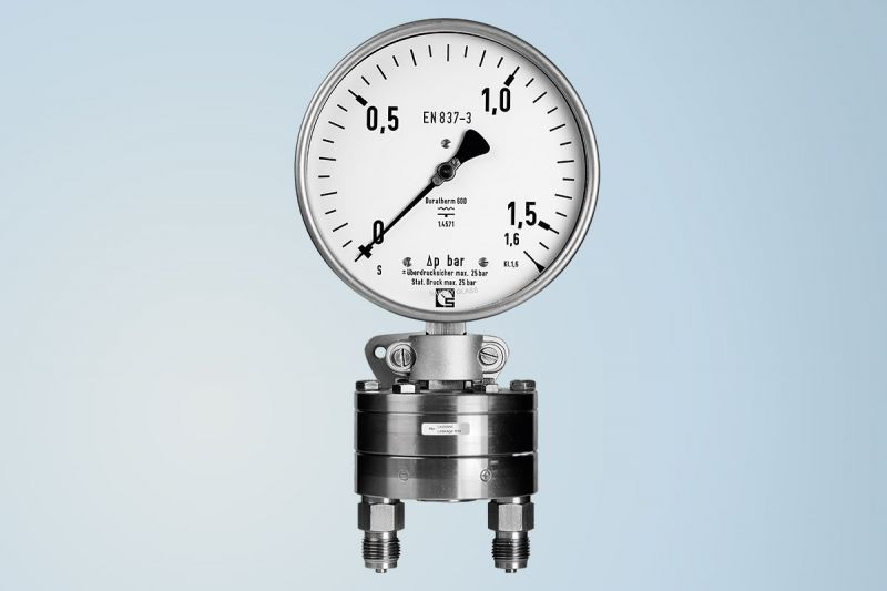 Differential pressure gauge by Schmierer